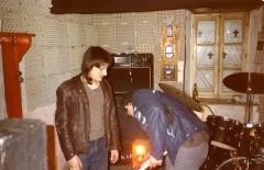 Le groupe Molybdène dans leur studio de répétition, 1981.