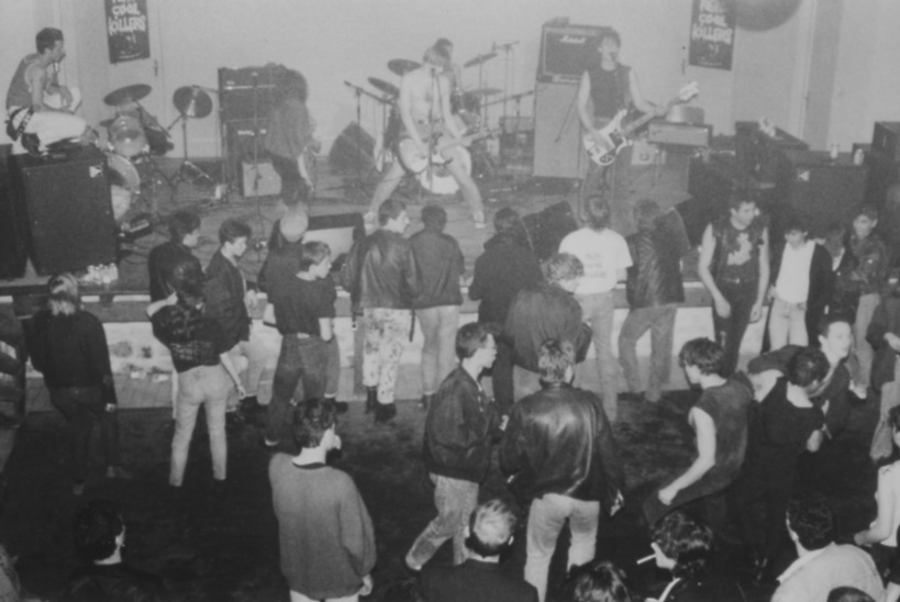 Concert organisé le 6 mai 1988 avec Real Cool Killers, Mord'hum solution et Radioactive Kids. Archives Rock à la Grange
