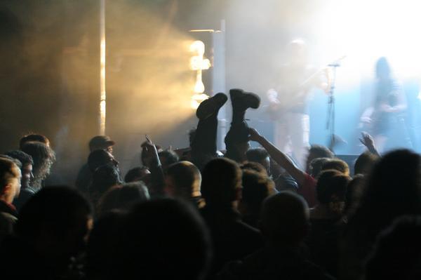 Slam pendant le concert des Têtes d'Ouf